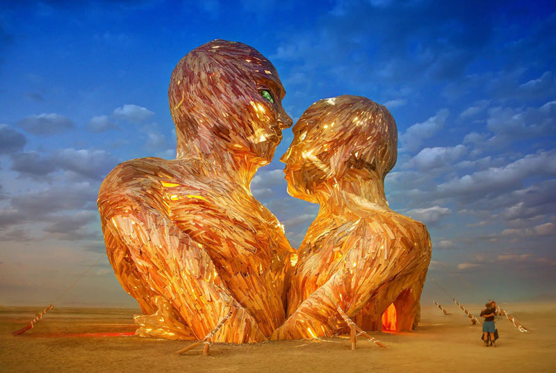 embrace sculpture burning man trey ratcliff 2014 Picture of the Day: Embrace Impermanence