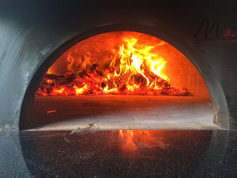 food truck with wood burning pizza oven 3 - Wood Burning Pizza Oven
