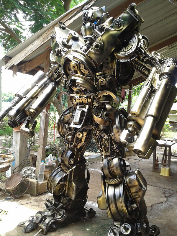 20 ft Transformers Made from Old Car Parts «TwistedSifter