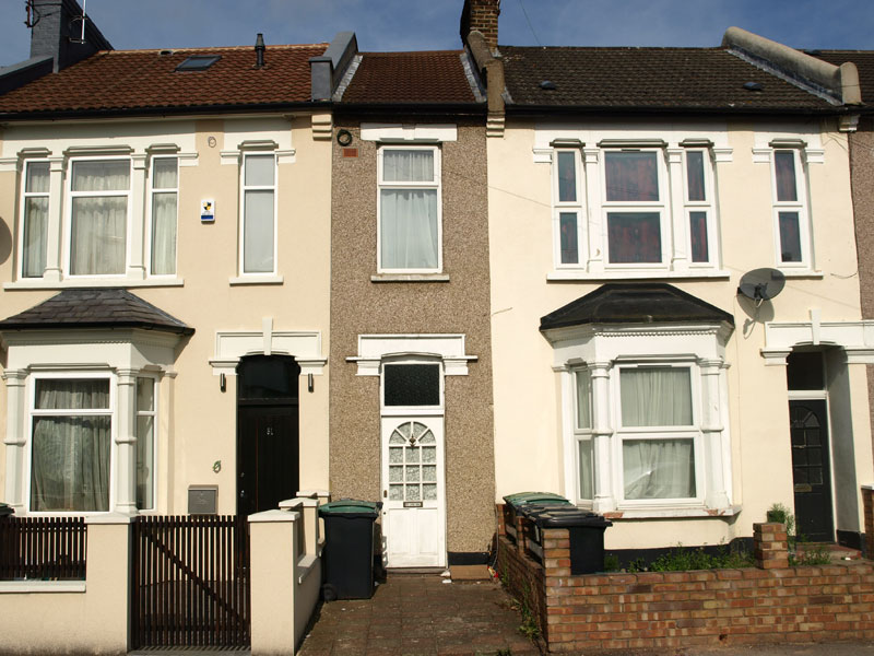 narrowest house in london 7 feet wide Picture of the Day: This 7ft Wide House in London Just Listed at $383K