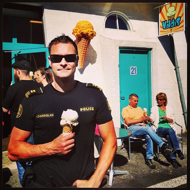 The Reykjavik Police Department's Instagram Feed is Pure Gold (16)