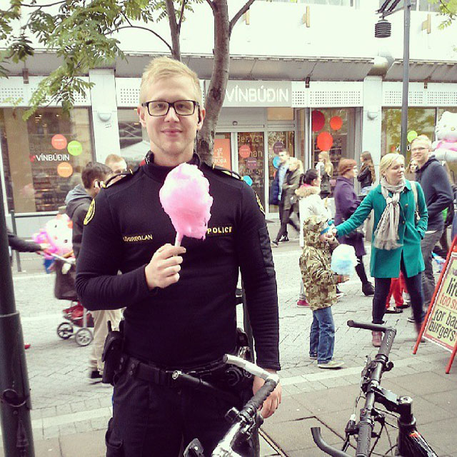 The Reykjavik Police Department's Instagram Feed is Pure Gold (18)