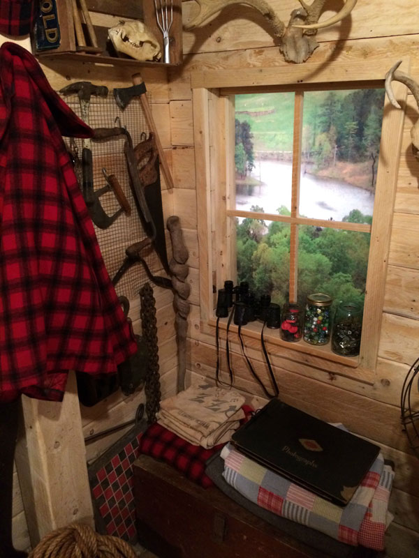This Guy Built a Rustic Cabin Man Cave for 107 dollars (17)