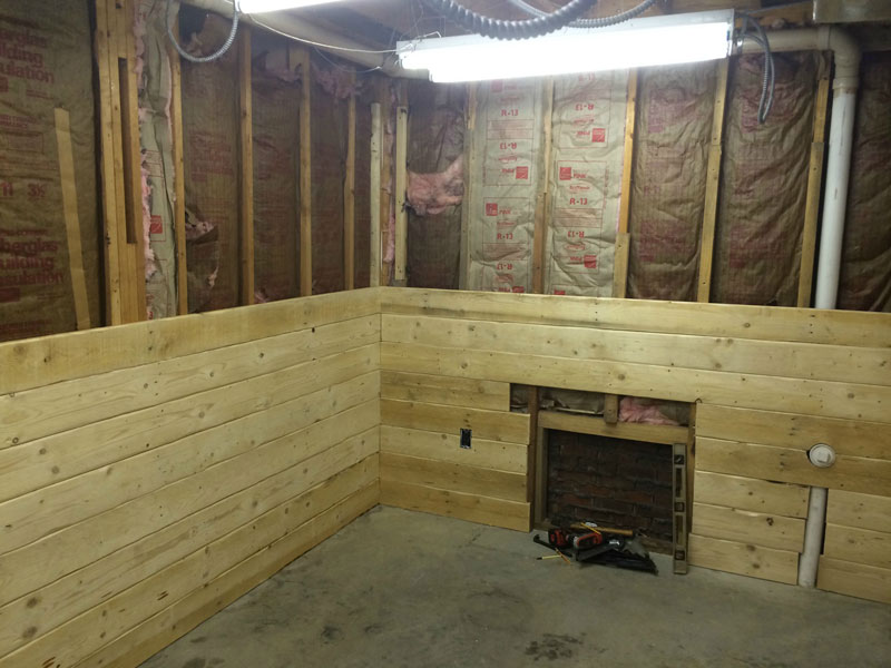 This Guy Built a Rustic Cabin Man Cave for 107 dollars (4)