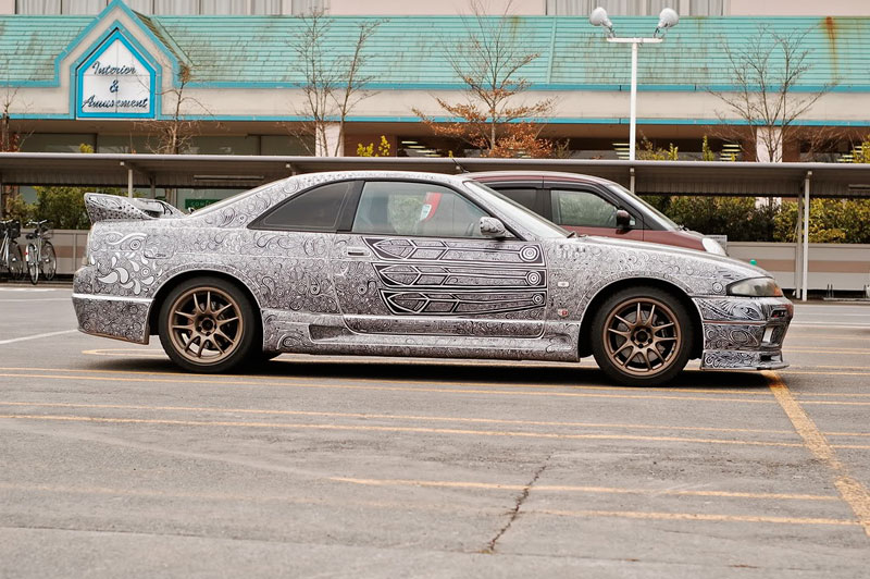 Artist Uses Sharpie to Give Nissan Skyline GTR One of a Kind Paint Job (11)