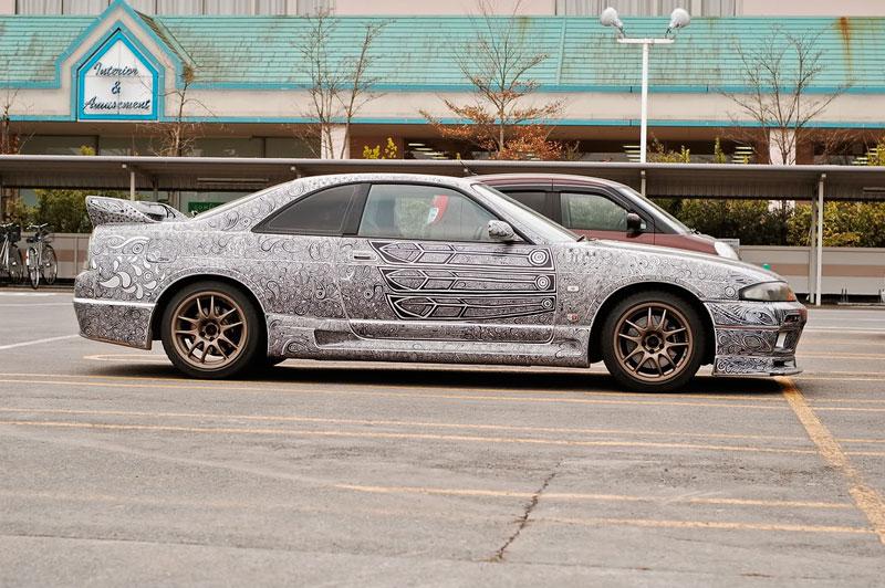 Artist Uses Sharpie to Give Nissan Skyline GTR One of a Kind Paint Job (11)