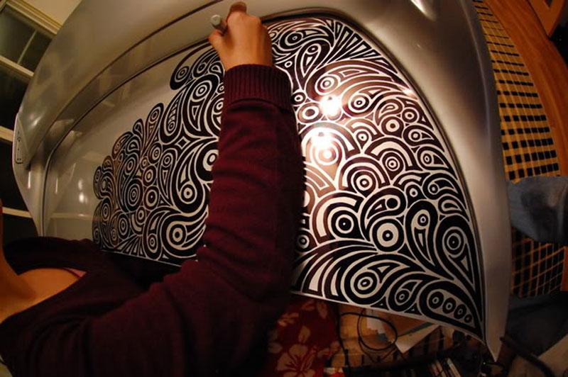 Artist Uses Sharpie to Give Nissan Skyline GTR One of a Kind Paint Job (16)