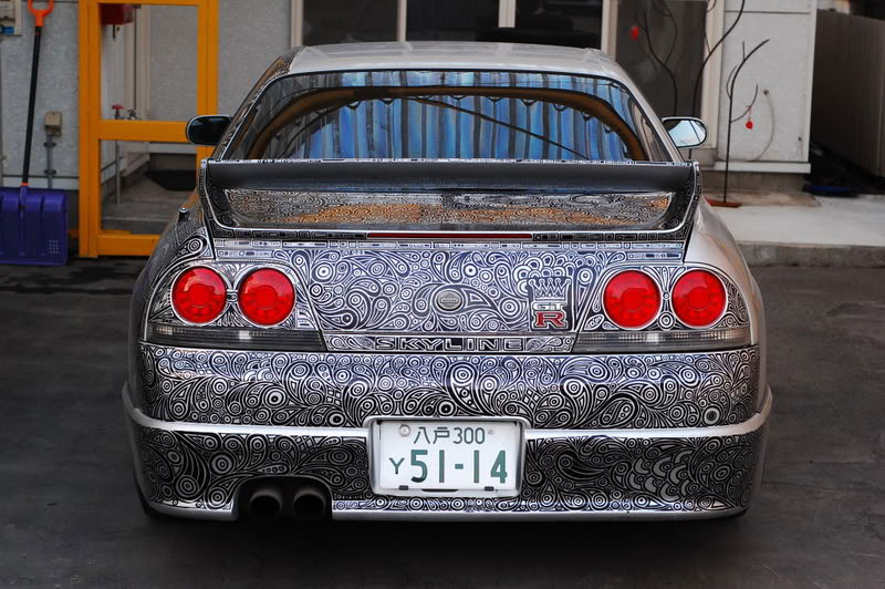 Artist Uses Sharpie to Give Nissan Skyline GTR One of a Kind Paint Job (4)