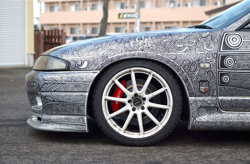 Artist Uses Sharpie to Give Nissan Skyline GTR One of a Kind Paint Job