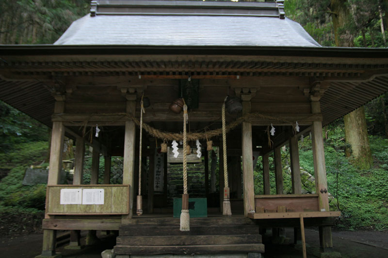 Forest Shrine in Takamori-machi, Kumamoto japan hotarubi no mori es real location (5)