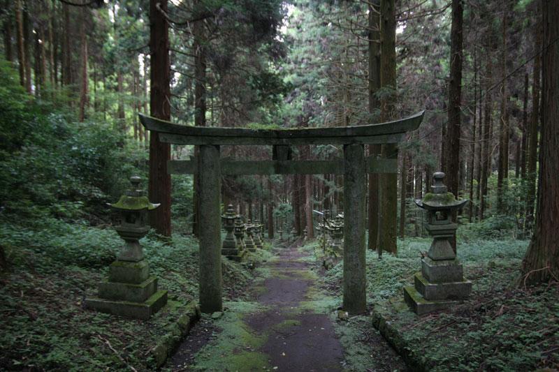 Forest Shrine in Takamori-machi, Kumamoto japan hotarubi no mori es real location (6)