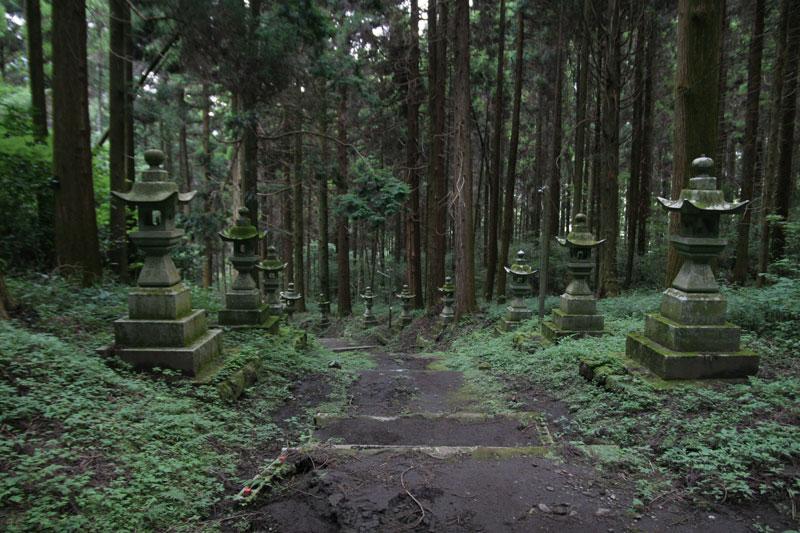 Forest Shrine in Takamori-machi, Kumamoto japan hotarubi no mori es real location (7)
