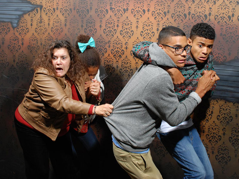niagara falls haunted house fear factory funny pictures of scared people (1)
