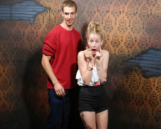 niagara falls haunted house fear factory funny pictures of scared people (10)