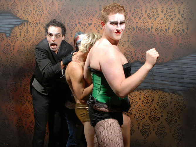 niagara falls haunted house fear factory funny pictures of scared people (11)