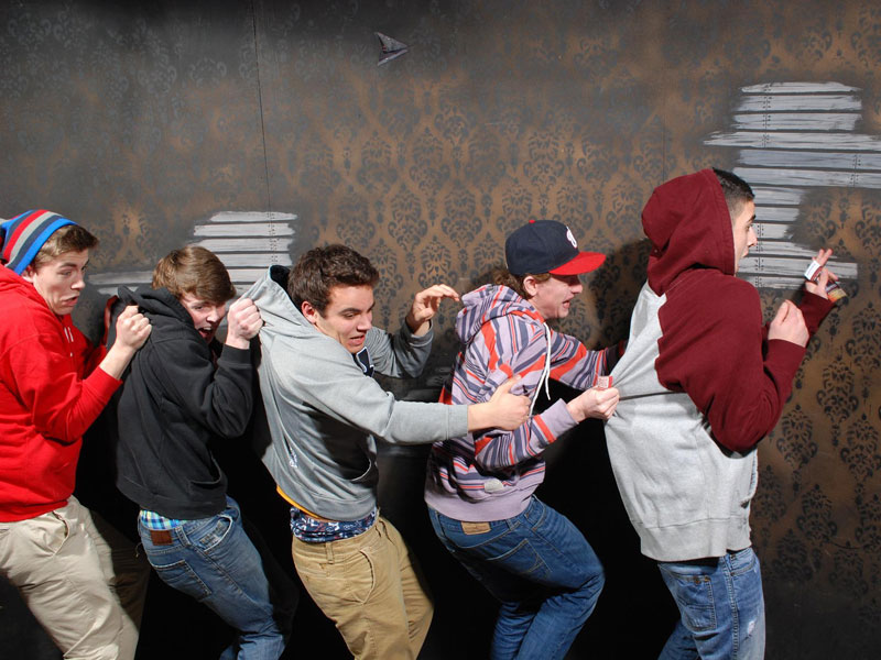 niagara falls haunted house fear factory funny pictures of scared people (8)