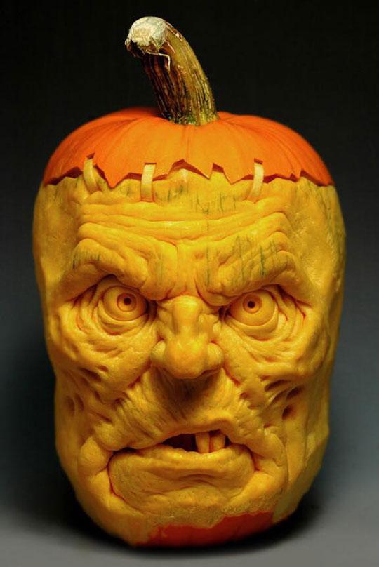 pumpkin carving by ray villafane studios (1)