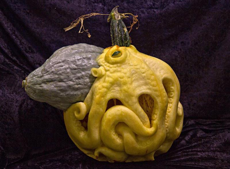 pumpkin carving by ray villafane studios (2)