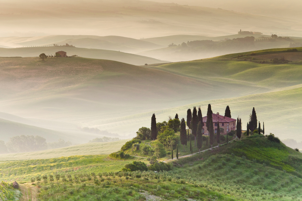 tuscany italy morning fog Picture of the Day: Morning Fog in Tuscany