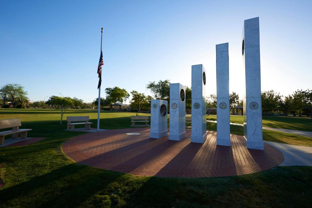 10505163 691669464248627 2689970369998269951 o1 una vez al año a las 11:11 de la mañana el sol brilla perfectamente en este Memorial
