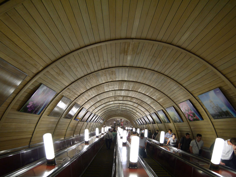 beautiful moscow metro stations (12)