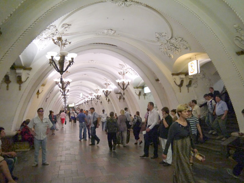 beautiful moscow metro stations (14)