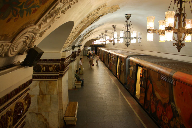 beautiful moscow metro stations (8)