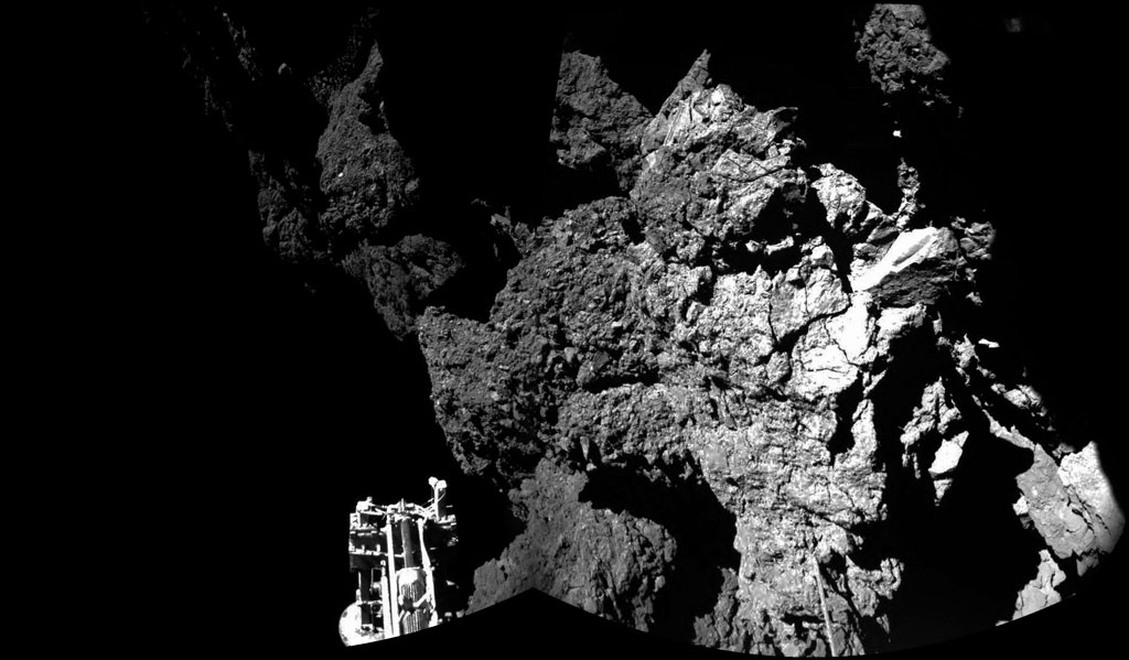HQ Photos by Rosetta and Philae (11)