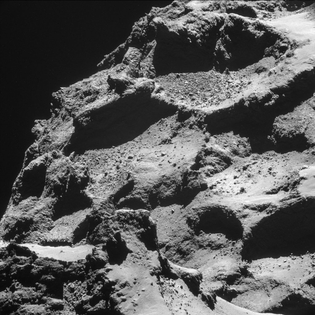 HQ Photos by Rosetta and Philae (4)