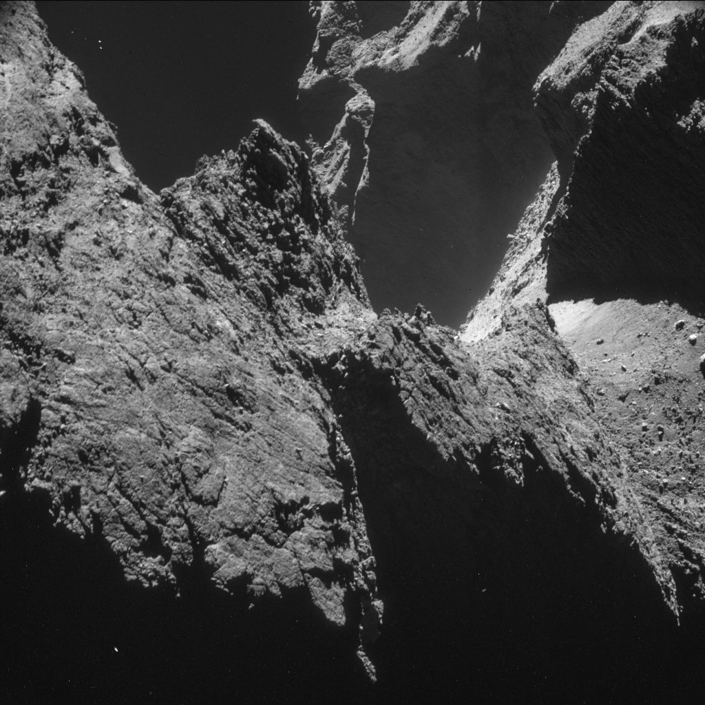 HQ Photos by Rosetta and Philae (7)