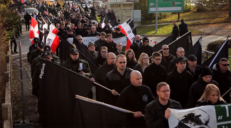 Small Town Turns a Neo-Nazi March Against Itself in a Clever and PeacefulWay