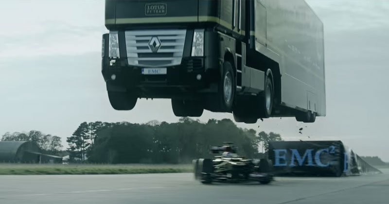 truck-jumps-over-f1-car-world-record