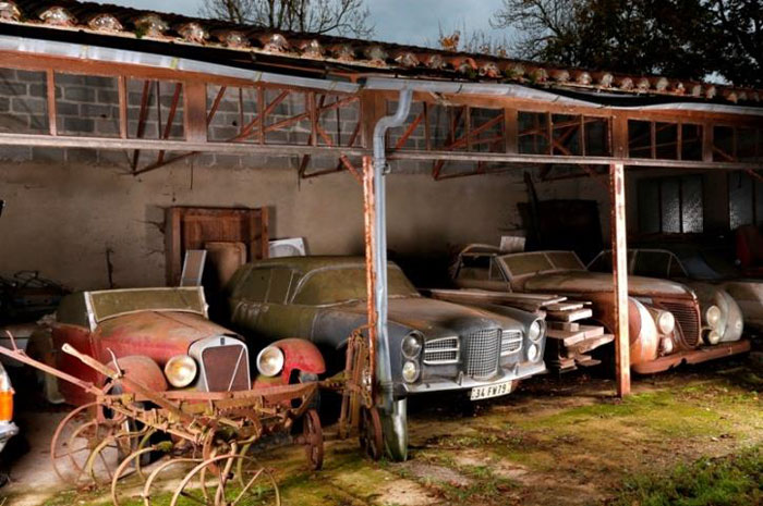 60 Rare Cars Worth Millions Found in French Countryside, Untouched for 50 Years (15)
