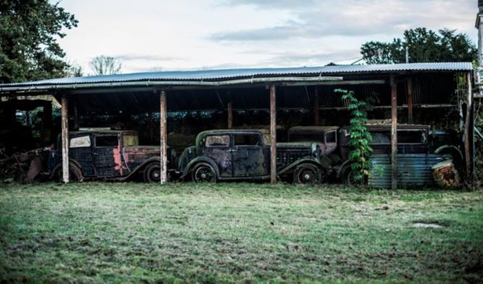 60 Rare Cars Worth Millions Found in French Countryside, Untouched for 50 Years (2)