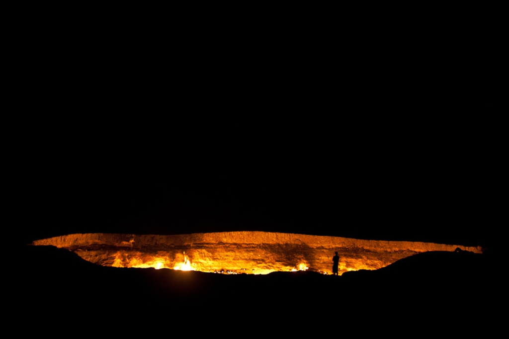 darvaza crater door to hell turkmenistan (6)