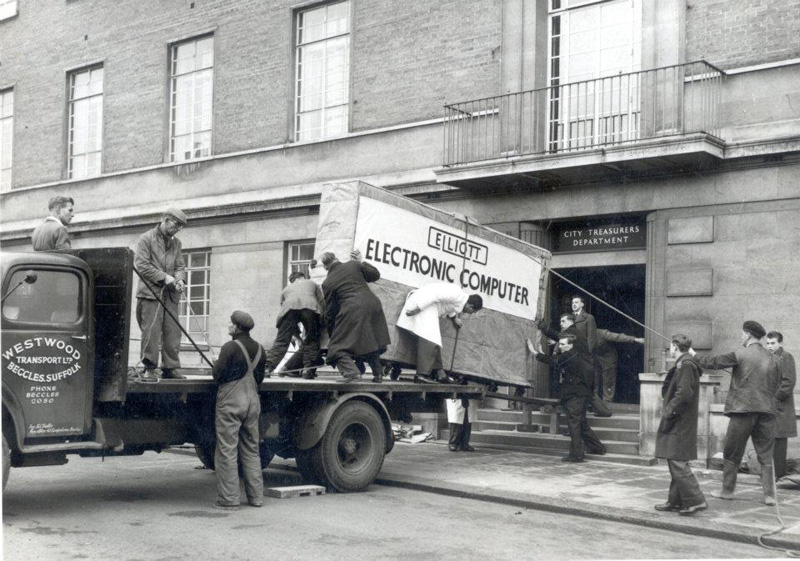 Picture of the Day: Delivering a Computer in1957