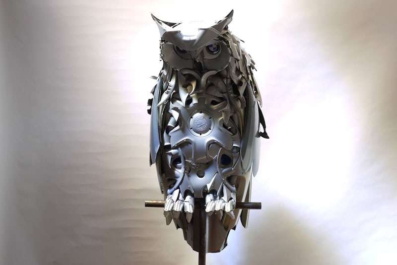 hubcap animal sculptures by ptolemy elrington (10)