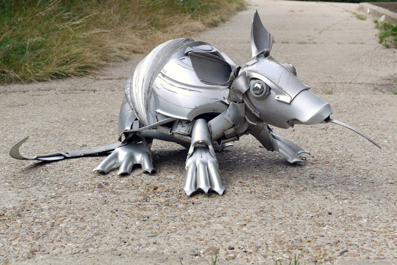 hubcap animal sculptures by ptolemy elrington (12)