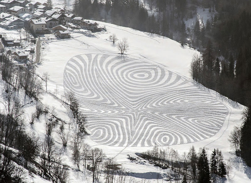 Artist Uses Compass, String and Measuring Tape to Create Amazing ...
