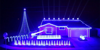 This Star Wars Christmas Light Show is Just… Wow