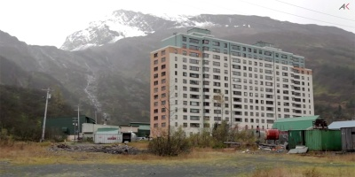 Almost Everyone in this Small Alaskan Town Lives in this OneBuilding