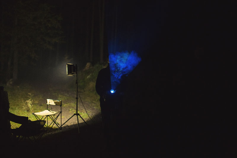 artists create a bioluminescent forest with projectors (12)