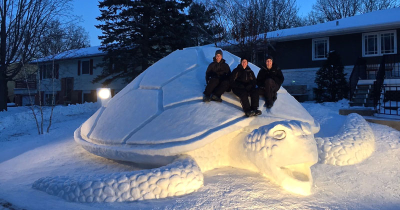 Every-Year-These-Brothers-Make-a-Giant-Snow-Sculpture-on-their-Front-Lawn-(cover)
