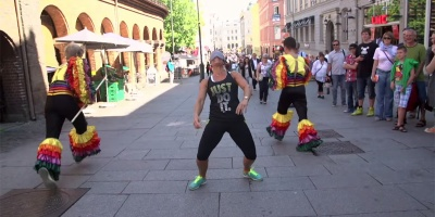 Pranksters Challenge People to Limbo Blindfolded and Then RunAway