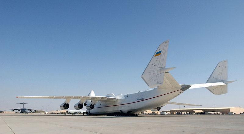 The Largest Airplane Ever Built antonov an-225 mriya (5)