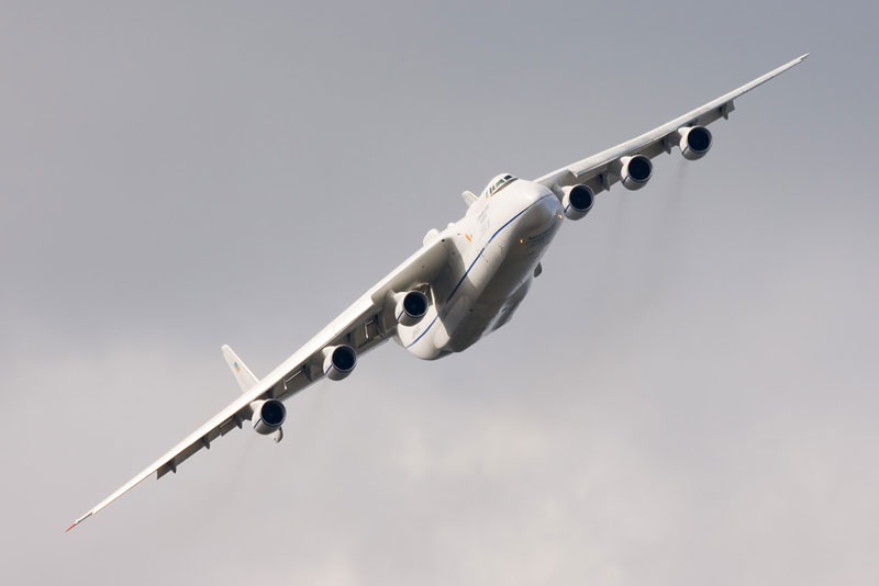 The Largest Airplane Ever Built antonov an-225 mriya (8)