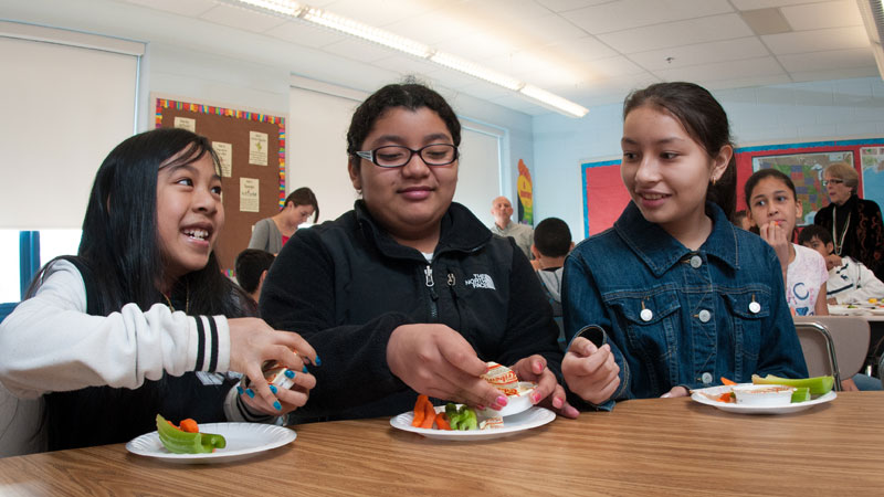 the effects of recess before lunch The following guest blog showcases montana team nutrition and their excellent work implementing their recess before lunch (rbl) program through this initiative.