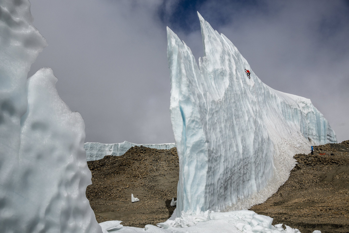 ice climbing at the summit of kilimanjaro will gadd red bull (2)