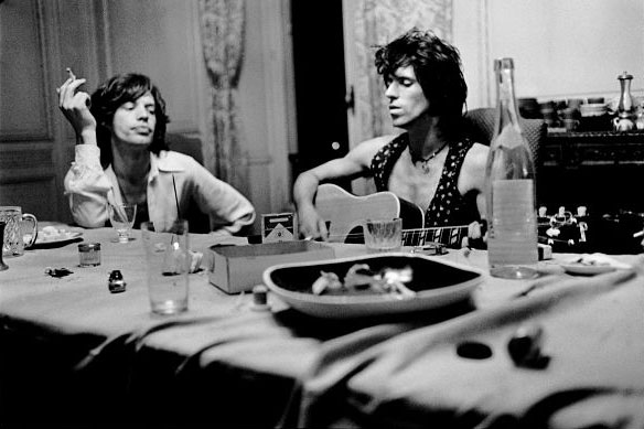 mick-jagger-keith-richards-young