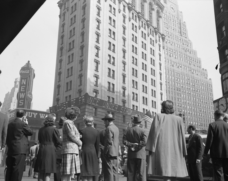 Picture of the Day: Times Square, D-Day,1944